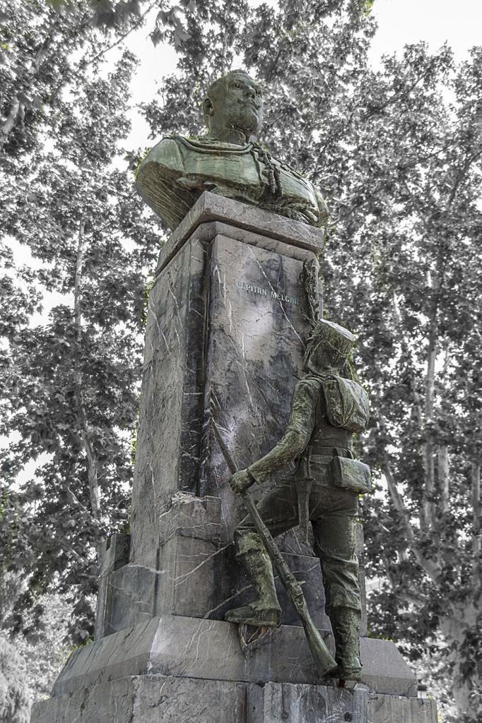 Estatua al Capitán Melgar