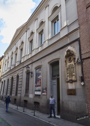 """Fachada de la Biblioteca """"Marqués de Valdecilla"""""""